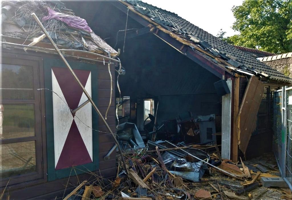 <p>De brandschade aan het gebouw van partycentrum De Voortse Vallei is enorm.</p> Jannes Bijlsma © BDU media