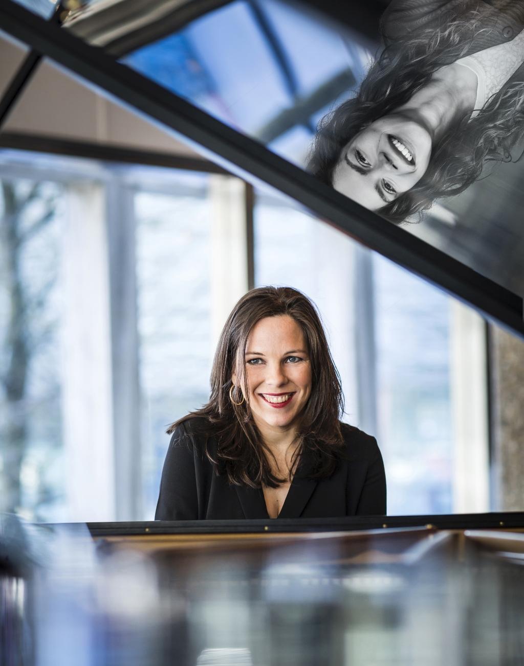 <p>Actrice Daantje Idelenburg en pianiste Daria van den Bercken.</p> <p>Muziektheater de Veerensmederij</p> © BDU media