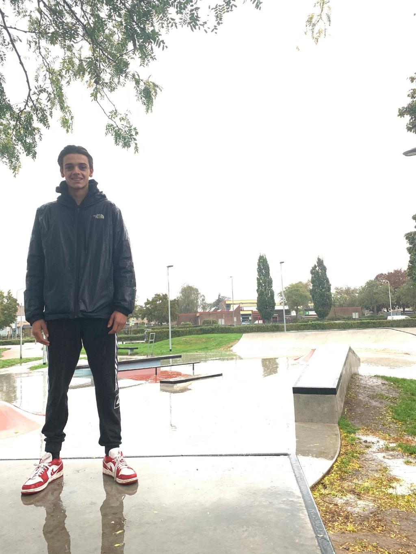 <p>Gavin Meijer hield in de gemeenteraad een pleidooi voor de vernieuwing van de skatebaan. (Foto: Arap-John Tigchelaar)</p> <p>Arap-John Tigchelaar</p> © BDU media