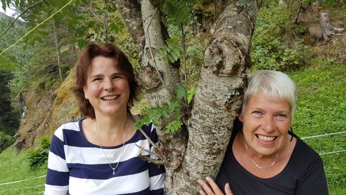 Jeannette en Wilma actief bij Beleveniswandelingen.