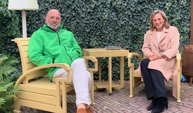 <p>Rino Jonkers en Ellen Standhardt-Jonkers intitiatiefnemers referendum Ruimtelijke Koers</p>