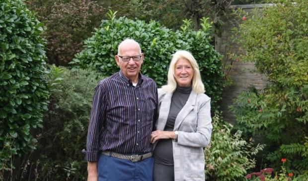 <p>Ooit reden Henk en Rina Paehlig als Amsterdammers Leusden in. Nu zijn het echte Leusdenaren na 32 jaar.</p>