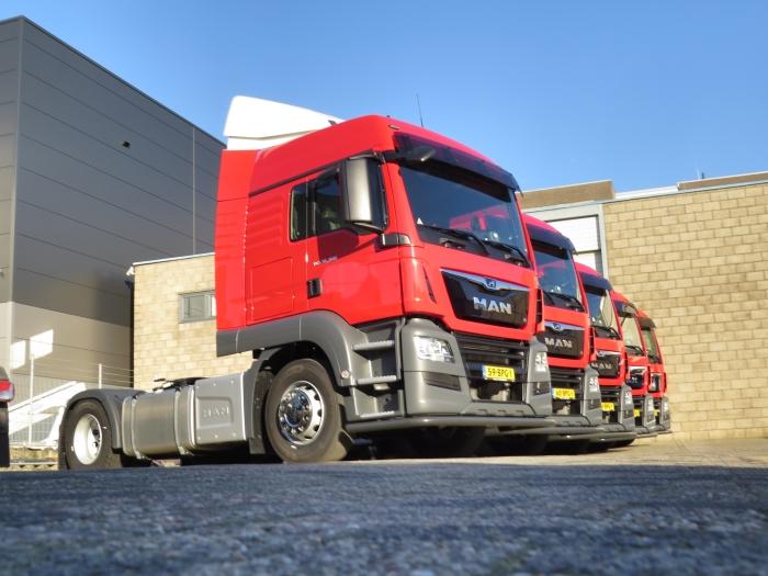 De nieuwe trucks voor Bouw Eigen foto © BDU Media