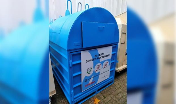 De container van Sympany/Ducky Dons die op de gemeentenwerven geplaatst is