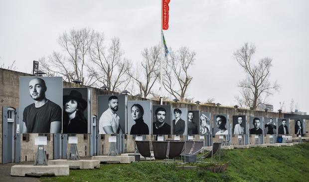 <p>Via portretfoto&rsquo;s van Robin de Puy wordt aandacht gevraagd voor de genocide in Bosni&euml;</p>