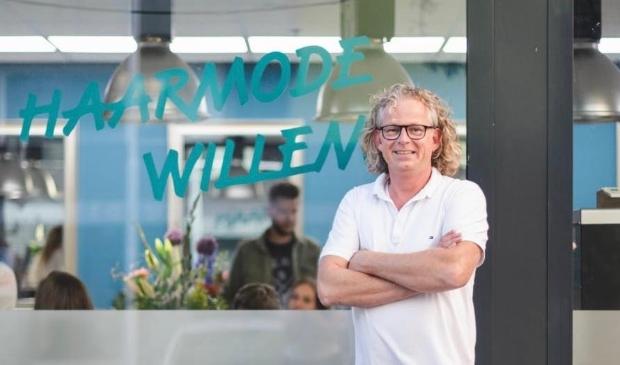 <p>Vanaf 1 december is de zaak Haarmode Willem in Werkendam ook open.</p>