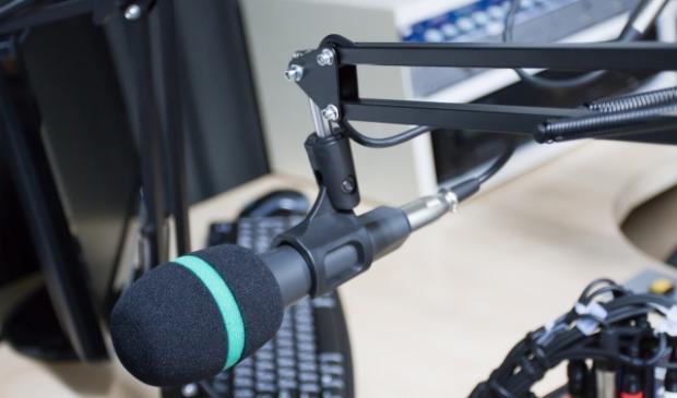 <p>De lokale Amstelveen heeft de radio-uitzendingen voorlopig gestaakt vanwege de benodigde aanzienlijke investeringen in nieuwe radioapparatuur</p>