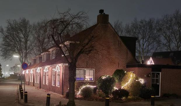 <p>De Prins Bernhardweg in kerstsfeer</p>