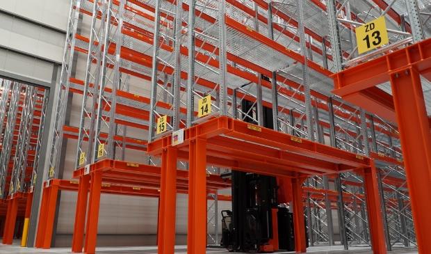 Het nieuwe magazijn heeft een oppervlakte van 7.500 vierkante mter en biedt ruimte aan zo'n 15.000 palletplaatsen.