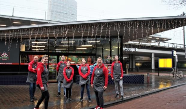 <p>Birgit en Britta Suidgeest met hun team wagen de uitbreiding naar Hoofddorp.<br><br></p>