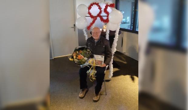Jan Muis op versierde stoel bij Body Business