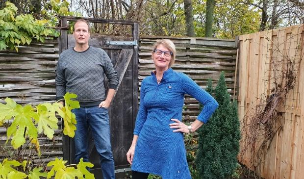 Danny Keff en Anja Tekelenburg, beheerders van de website Dorpsdichers Houten