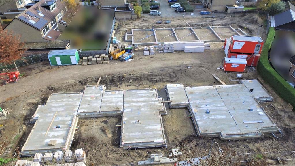 De eerste contouren van de woningen zijn inmiddels zichtbaar op de oude locatie van de Koningin Julianaschool in Barneveld. Gerwin van Luttikhuizen © BDU media
