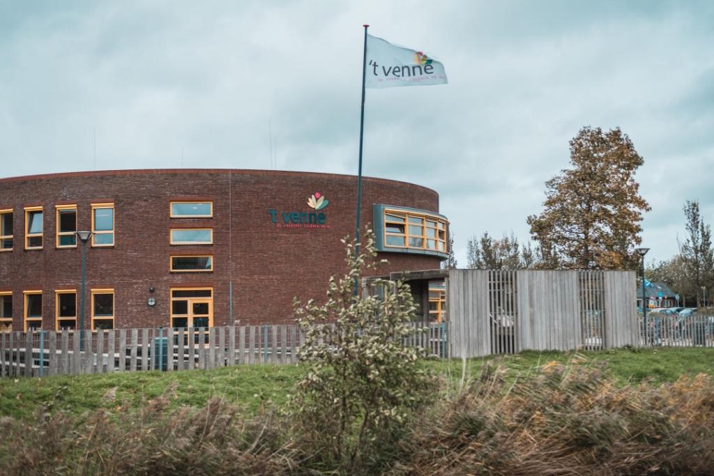 <p>Het nieuwe gebouw van &lsquo;t Venne.</p> Pr © BDU media
