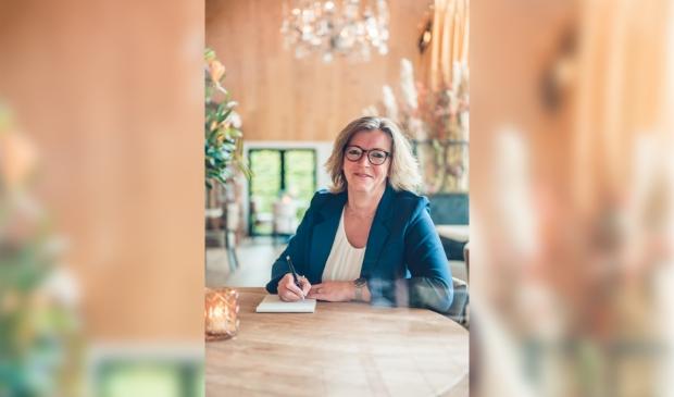 <p>Gerlinda Mulder-Bouwman werkt al zeven jaar in de uitvaartbranche en staat vanaf nu op eigen benen.</p>