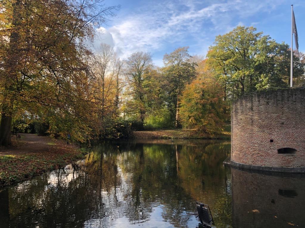 Foto gemaakt in het park bij het kasteel. Cynthia Gecchelin, Langbroek © BDU media