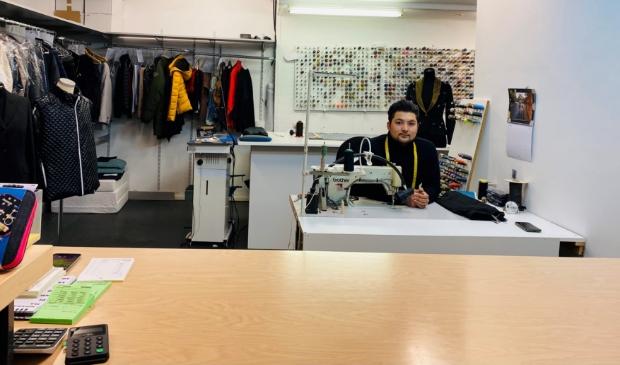 <p>Mustafa Jafari, de eigenaar van Angeles Mode&nbsp;</p>