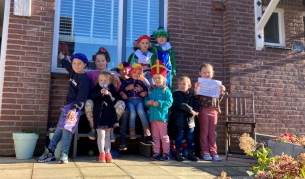 kinderen uit Dalem op Pietentocht