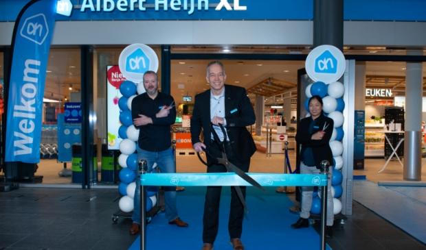 Supermarktmanager Peter van Spelden kan lachen, de verbouwing is geslaagd. Pr © BDU media