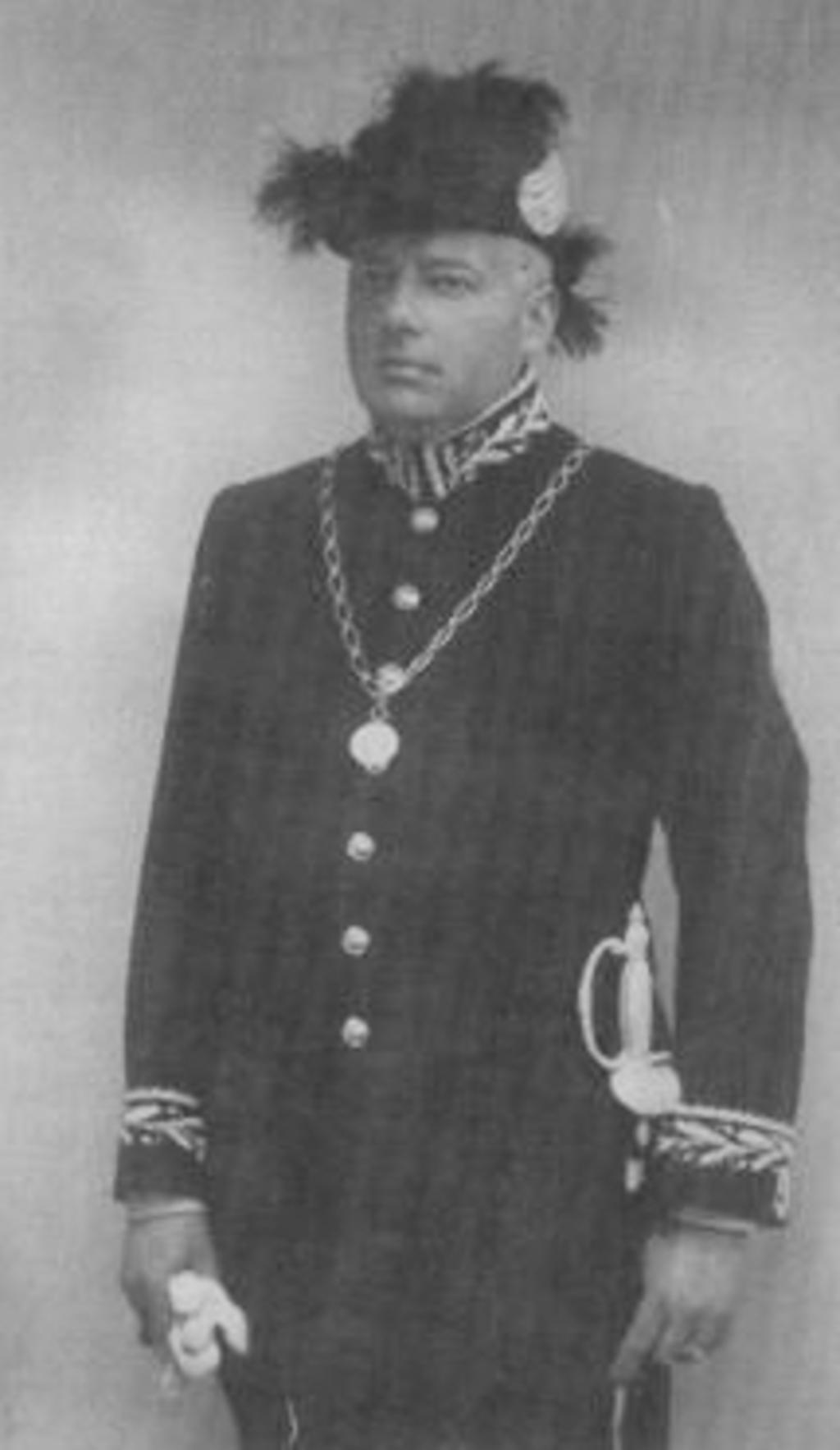 <p>Burgemeester Straman in vol ornaat. (1920-1938)</p> <p>Archief Historische Vereniging Wolfgerus van Amstel.</p> © BDU media