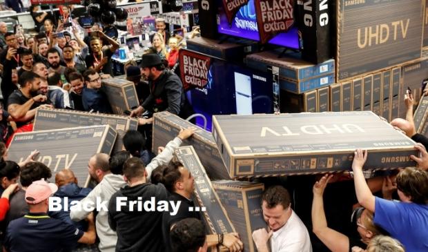 <p>De posbus zat vol m&egrave; reclaomefolders voor de &lsquo;Black Friday&rsquo;. </p>