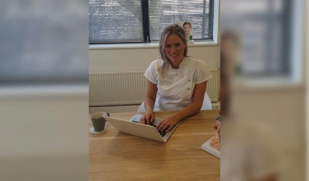<p>Annemarijn van Dort van Huidtherapie Stenders & van Dort beantwoordt vragen over ouderdomsvlekken.&nbsp;</p>