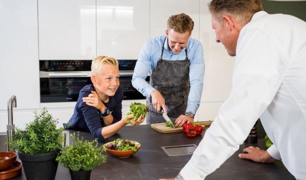 <p>De keuken is een plek van creativiteit, gezelligheid en saamhorigheid.</p>