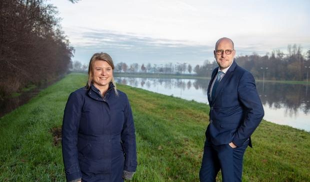 <p>De wethouders Aukje Treep en Harrie Dijkhuizen bij de Peters Baan, waar duurzaam natuurbeheer aandacht heeft gekregen.</p>