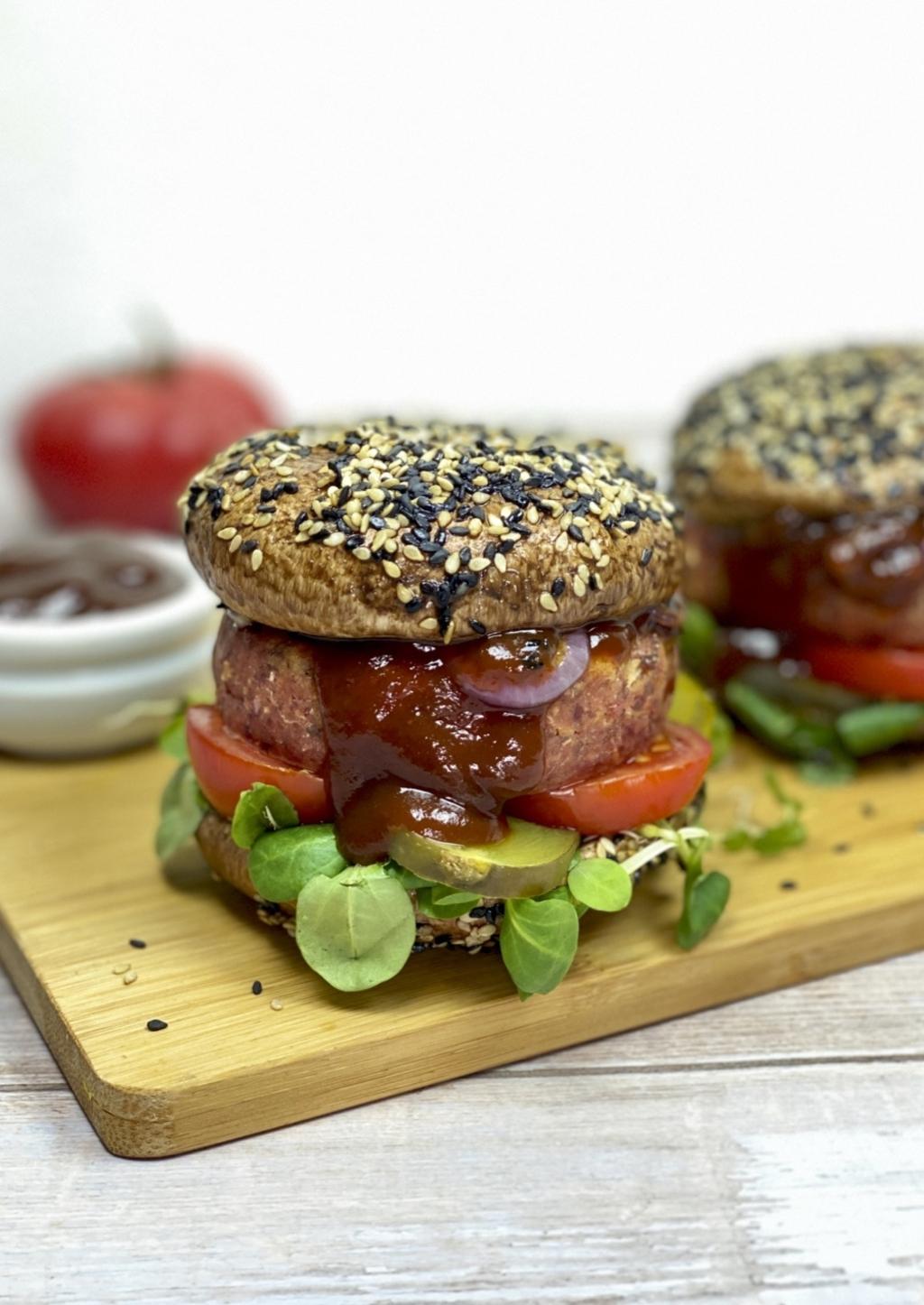 Lupineburgers met portobellobroodjes Mirjam Henzen © BDU media