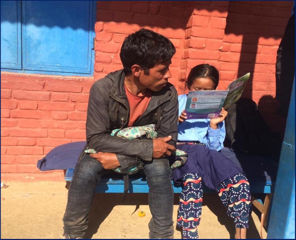 Meisje maakt geconcentreed haar huiswerk Stichting Hart4onderwijsNepal © BDU