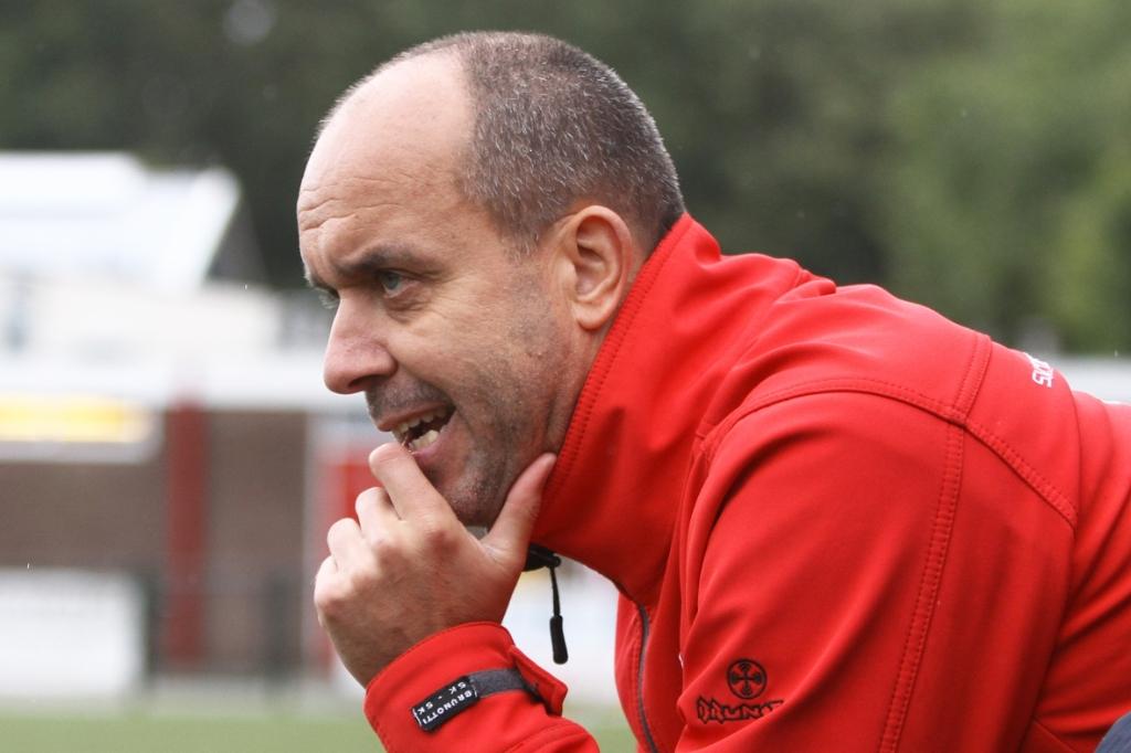 <p>Rob van den Broek, coach van Vallevogels.</p>