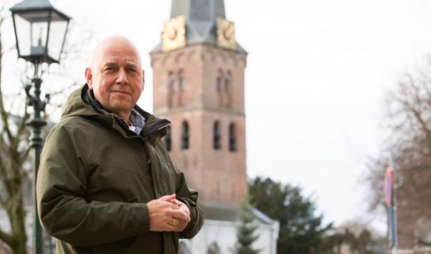 <p>Het Baarnse CDA raadslid Rik van Hardeveld heeft ervoor gezorgd dat de klokken van de Pauluskerk luiden in de oudjaarsnacht.</p>