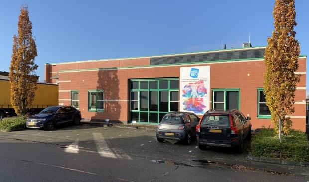 Het pand van Vellendrukkerij BDU aan de Marconistraat op bedrijventerrein De Valk.