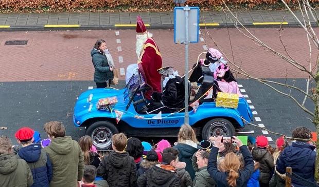 <p>Sinterklaas bezocht De Glashorst per buggy.</p>