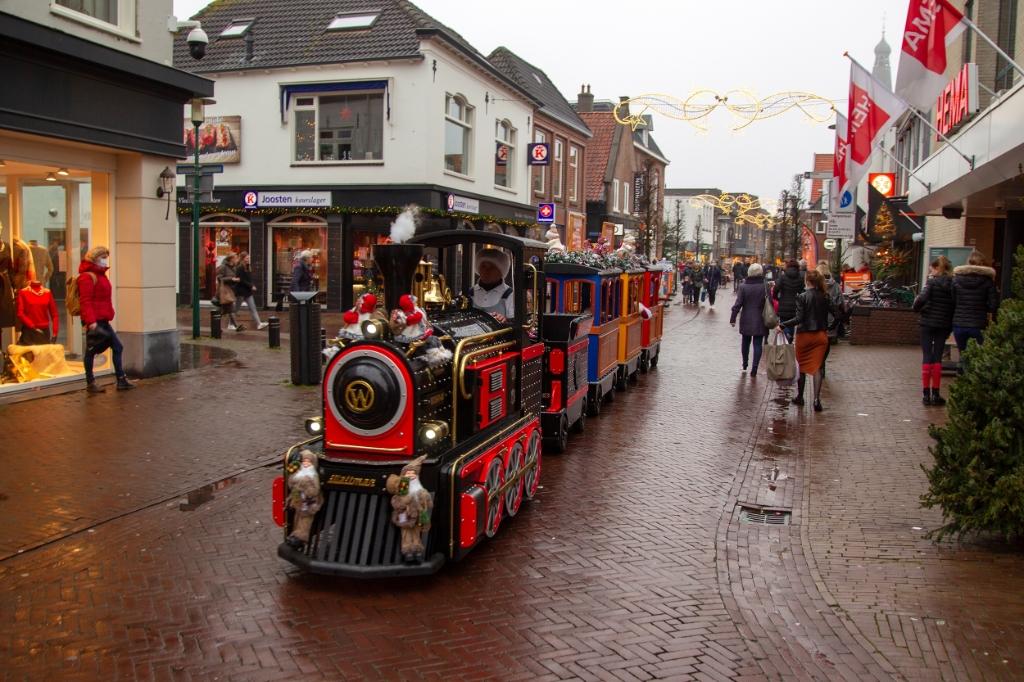 Kerst trein sjokt door centrum Barneveld Bram van den Heuvel © BDU media