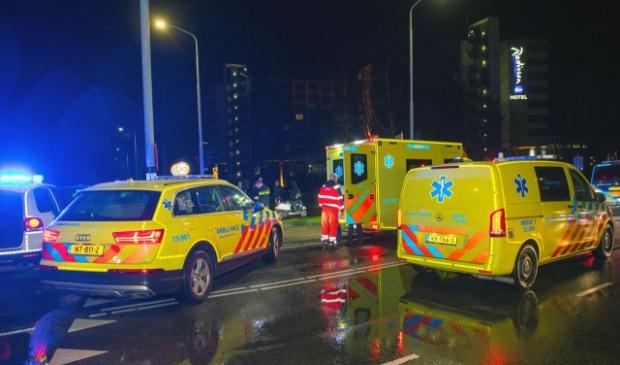 <p>Ambulancepersoneel moest midden in de nacht aan het werk.&nbsp;</p>