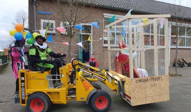 Aankomst Basisschool Giessen-Oudekerk