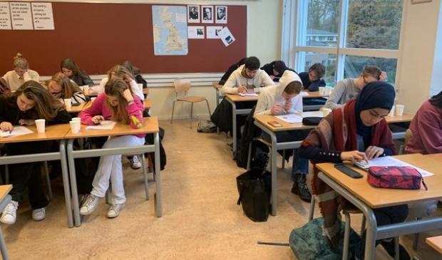 <p>De leerlingen aan het werk.</p> Lyceum Sancta Maria © BDU media
