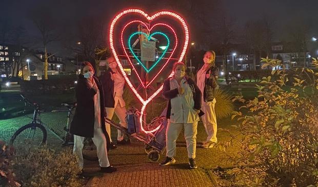 <p>Het verlichte hart konden de zorgmedewerkers erg waarderen.</p>