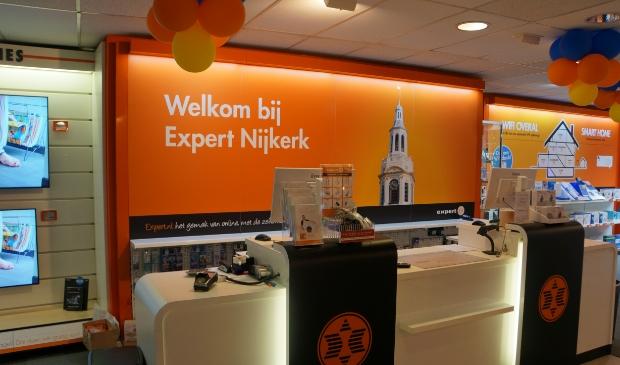 <p>,,De winkeldeur is weliswaar dicht, maar onze digitale winkeldeur staat wagenwijd open&quot;, vertelt Jan Gardebroek.</p>