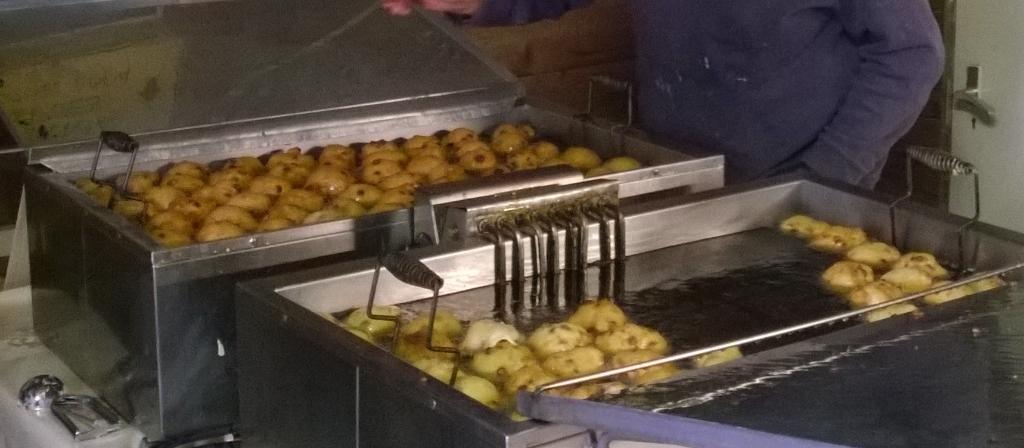 <p>Ze worden mooi bruin gebakken</p> <p>Martha Slijkerman </p> © BDU media