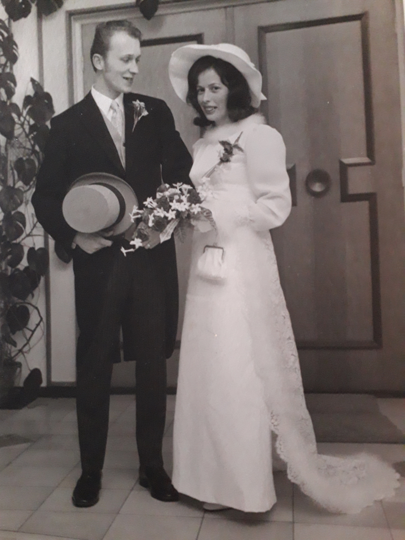 <p>10 december 1970: Johanna van Eeuwen en Alexander Cornelis stappen in het huwelijksbootje.</p> Petra van Voorst © BDU media