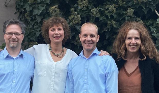 <p>Het gelegenheidsensemble Lily met (tweede van links) Maroesjka Vermolen uit Soest.</p>