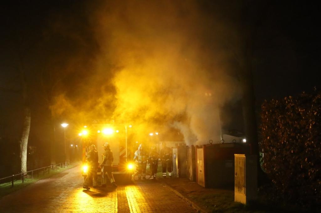 <p>Flinke rookontwikkeling bij een een containerbrand aan de Pastoor Pieckweg.</p> Keistadnieuws © BDU media
