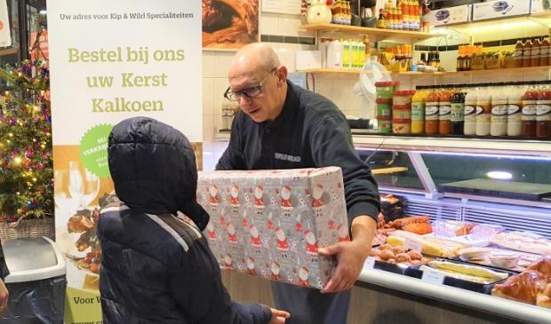 Van der Lingen verrast Daan met een cadeau