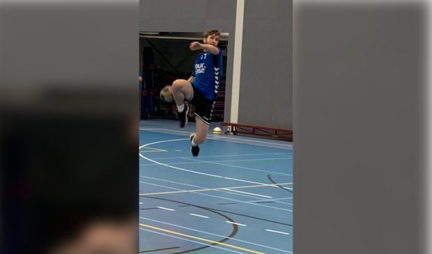 <p>Danny Schneiders op training in actie.</p>