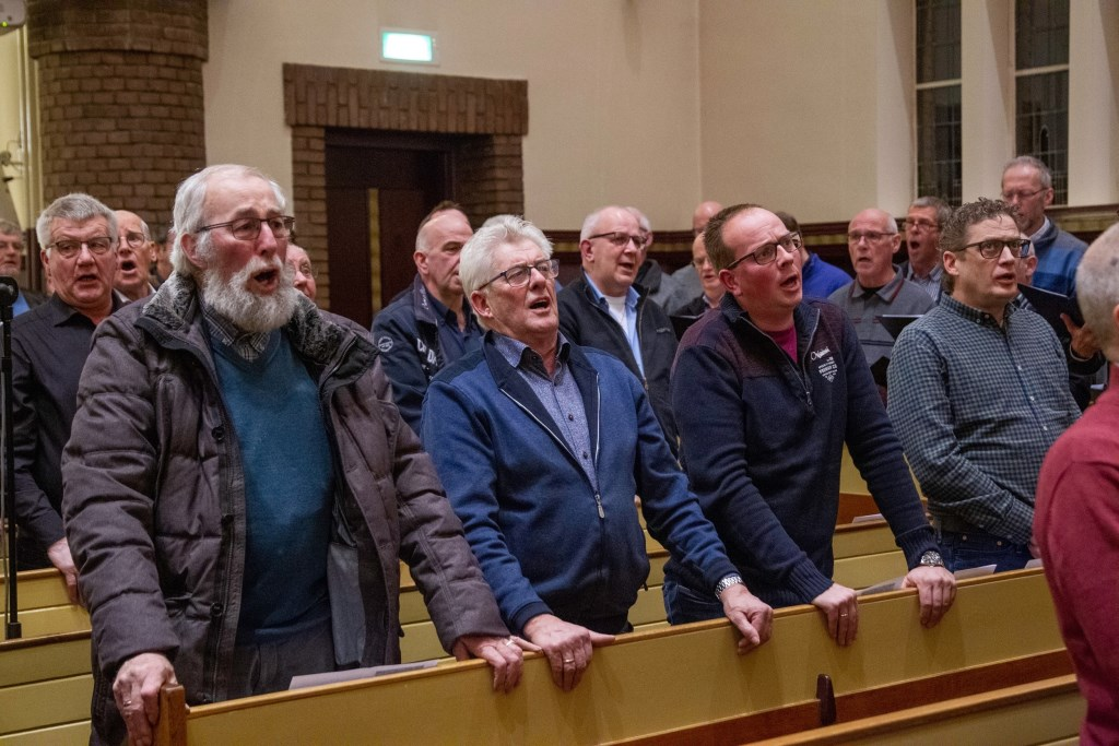 Andries Knevel was te gast op de Mannenzangavond in de Gereformeerde Kerk in Voorthuizen. Bram van den Heuvel © BDU media