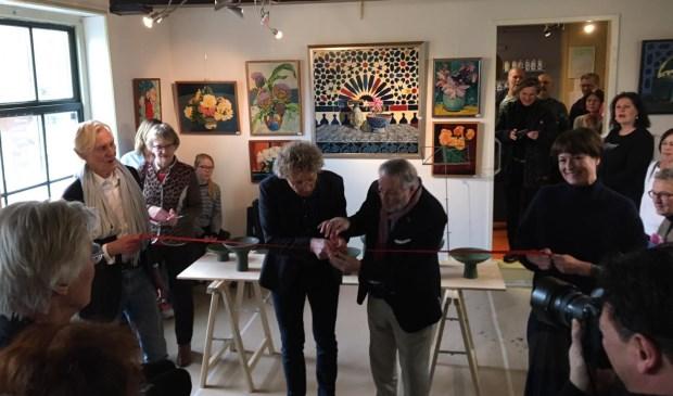 Feestelijke opening Duo-expositie in Museum Amstelland, links op de foto Kees Mirande, rechts op de foto Florine Kerkmeer, de exposanten.