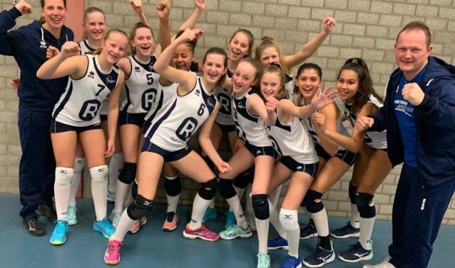 Meisjes C is één van de vijf Sliedrechtse teams dat door is naar de finaleronde van de NOJK.