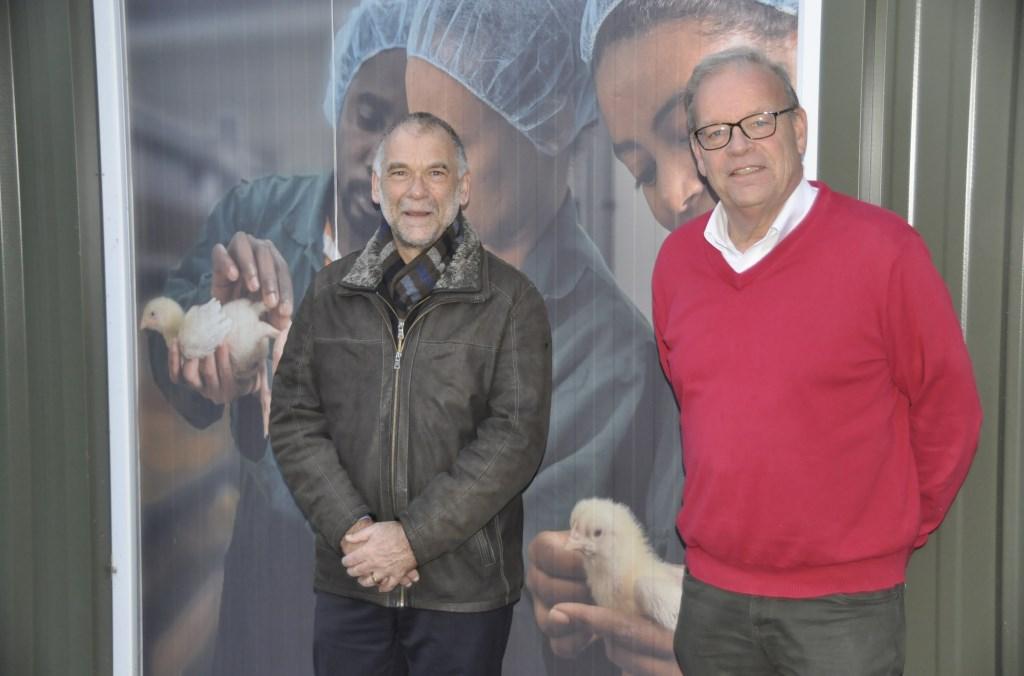 """Jan Workamp en Eltjo Bethlehem van het Poultry Expertise Centre in Barneveld: ,,Als wij horen wat allemaal in de pijplijn zit, dan hebben we daar best hoge verwachtingen van.""""  Jannes Bijlsma © BDU media"""